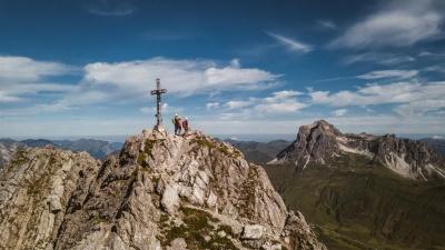 Gipfelglück in Warth-Schröcken