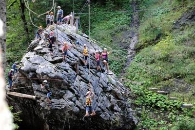 Abenteuerpark großer Stein